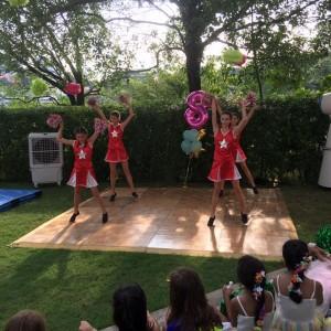 cheerleaders dance magical wonderlande